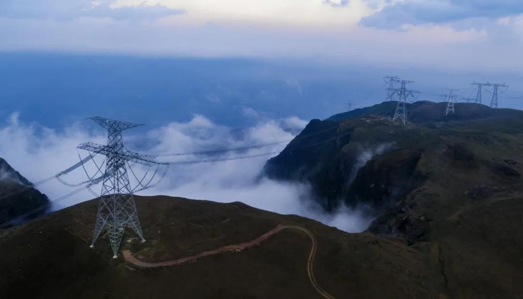 南方电网公司发布《数字电网推动构建以新能源为主体的新型电力系统白皮书》20210424